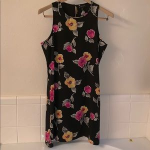 Beautiful Sundress for Work or Play!  Flattering!